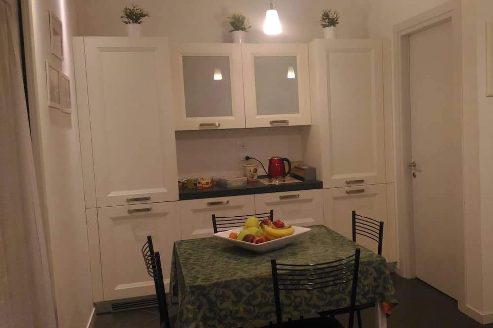 Double Room, Shared Bathroom - Shared kitchen