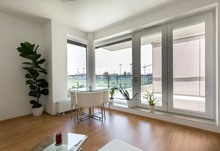 Terrace-Margaret Island-10 min downtown, بودابست, شقة حصرية, تناول الطعام داخل الغرفة