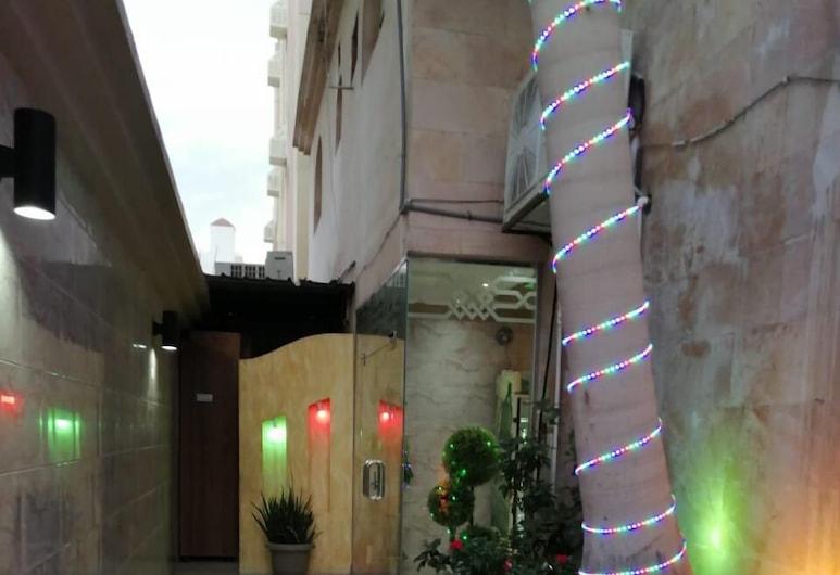 Amana Alfakhera furnished unit 1, Jeddah, 住宿入口