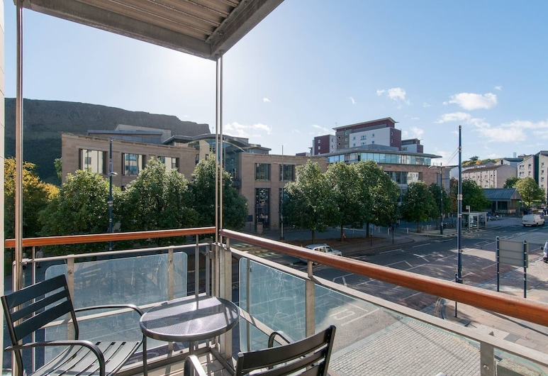 379 Park Apartments, Edinburgh, Apartment (3 Bedrooms), Balcony
