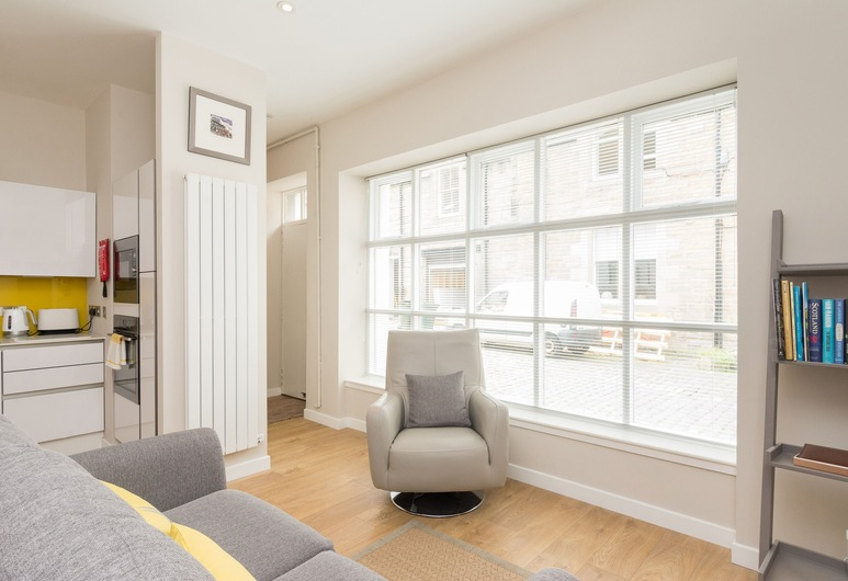 402 Dean Park Mews Apartment, Edinburgh, Apartment (1 Bedroom), Living Room