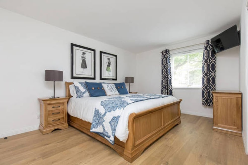 415 Huntingdon Place Apartment