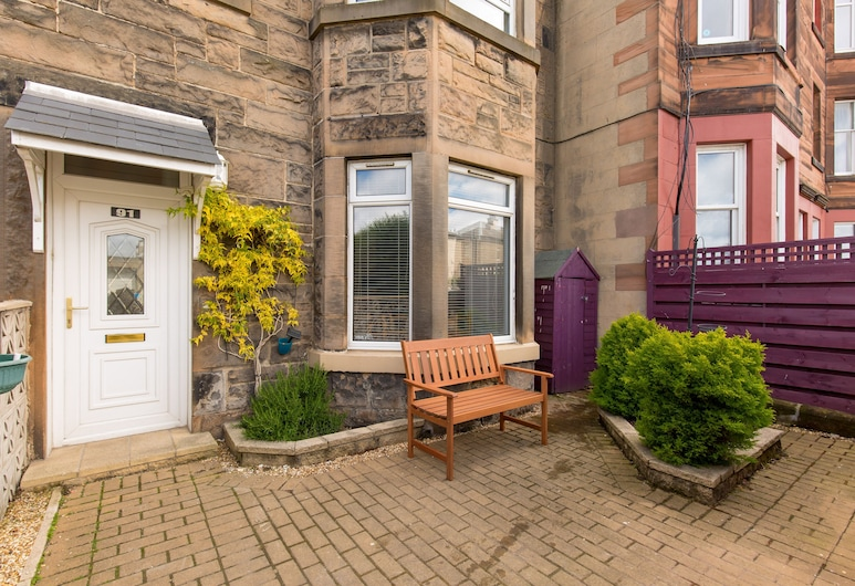 414 - Lochend Road Apartment, Edinburgh, Apart Daire (1 Bedroom), Teras/Veranda