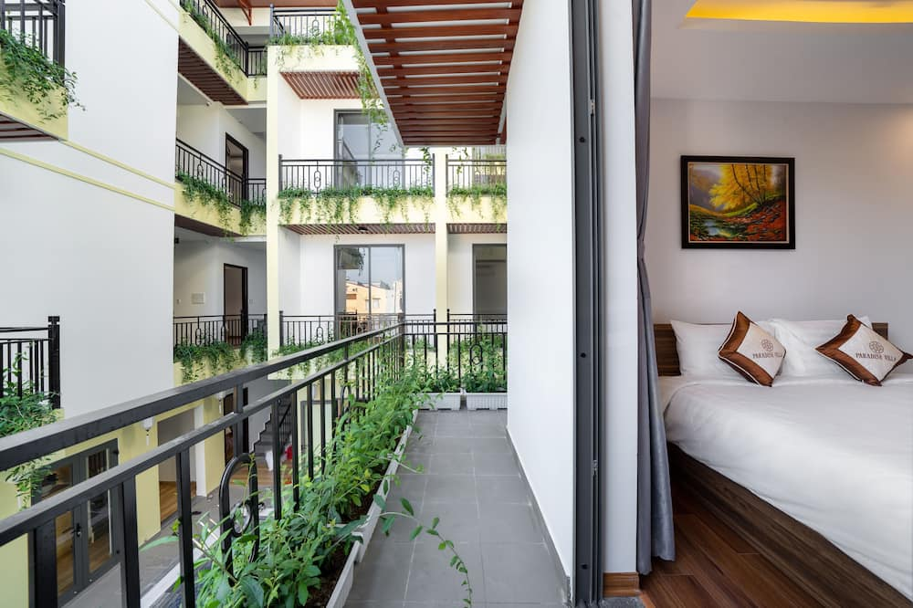 Сімейний номер, з балконом, з видом на басейн - Балкон