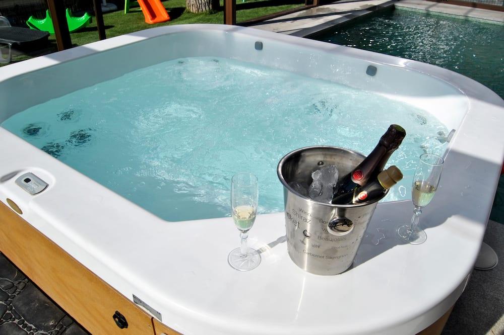 Deluxe Villa, Pool Access (Adela) - Private spa tub