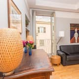 Apartment, 1 Bedroom, Patio, City View - Living Area