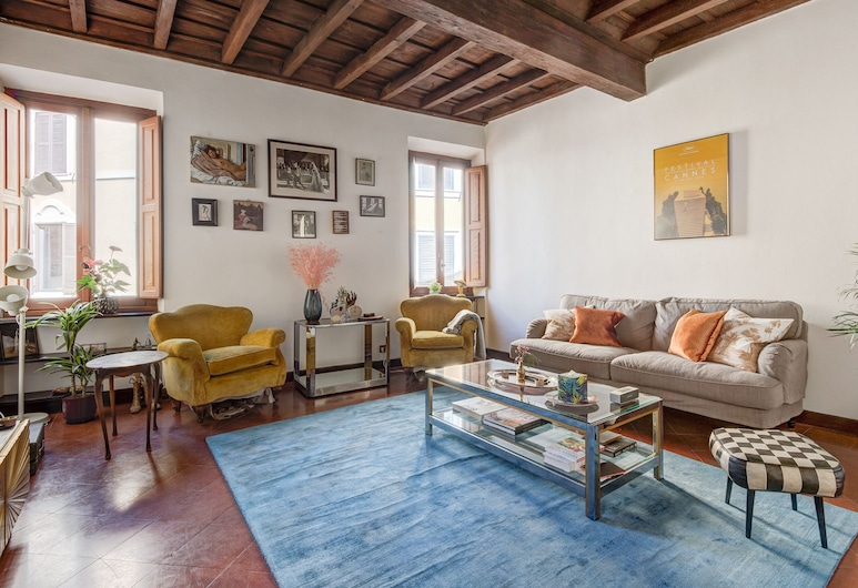 RSH Navona Charming One Bedroom Apartment, Rome, Apartment, 1 Bedroom, Living Area