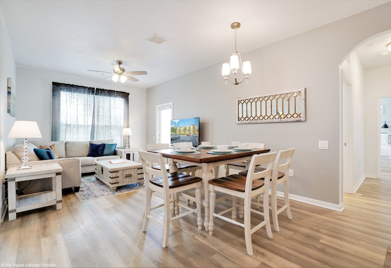 Spacious and Lovely 3BD Unit With Balcony, Close to the Convention Center #3vc309, Orlando