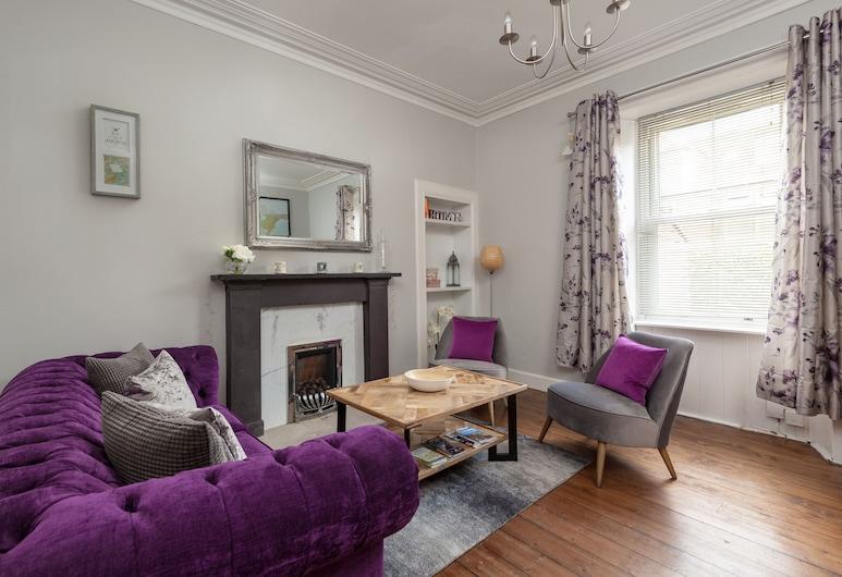 412: Regent Place Apartment, Edinburgh
