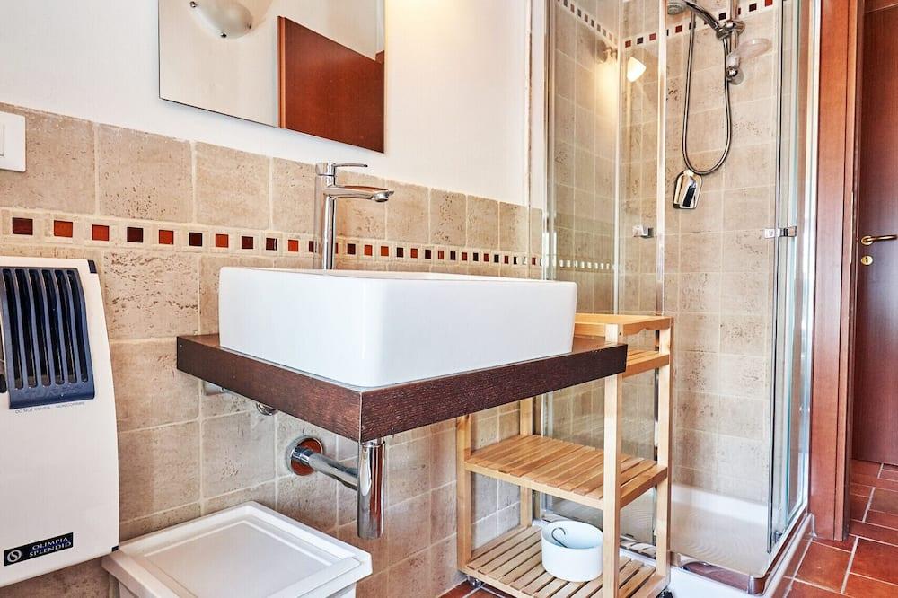 Apartment, 1 Bedroom, Kitchen, Mountain View - Bathroom
