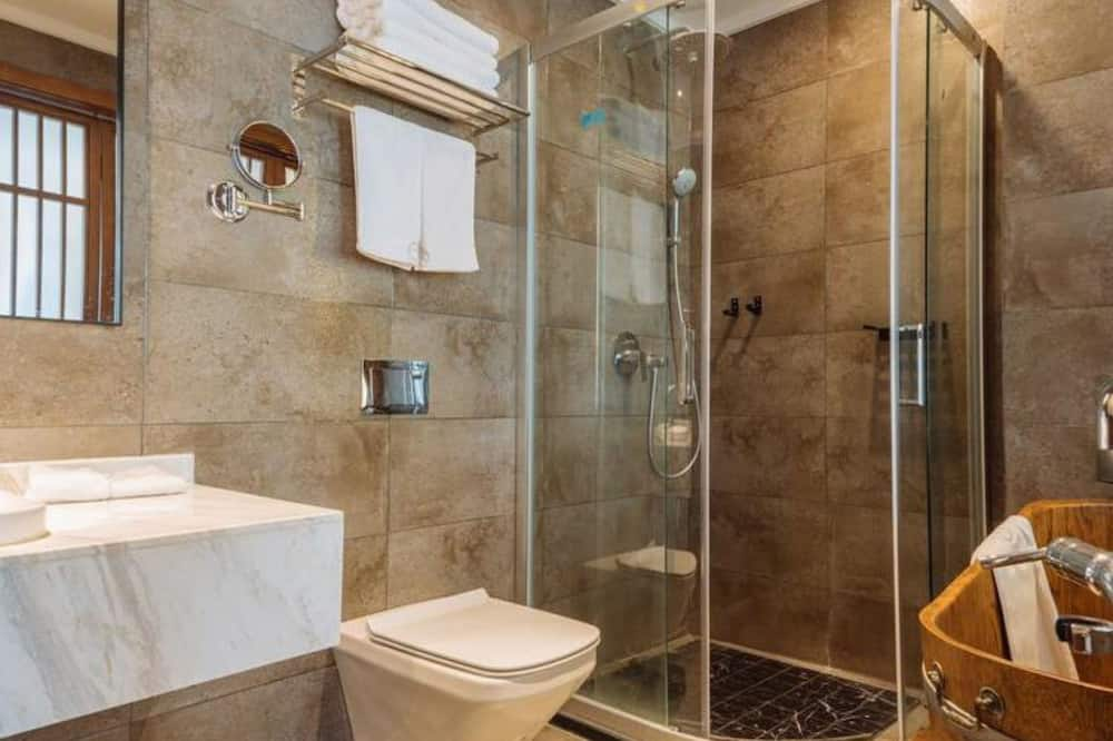 Exclusive Double Room, Courtyard View - Bathroom