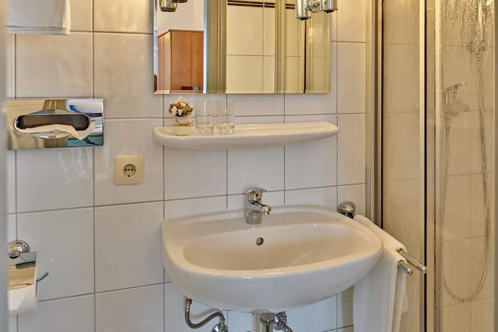 Classic Double or Twin Room, 1 Katil Kelamin (Double) - Bilik mandi