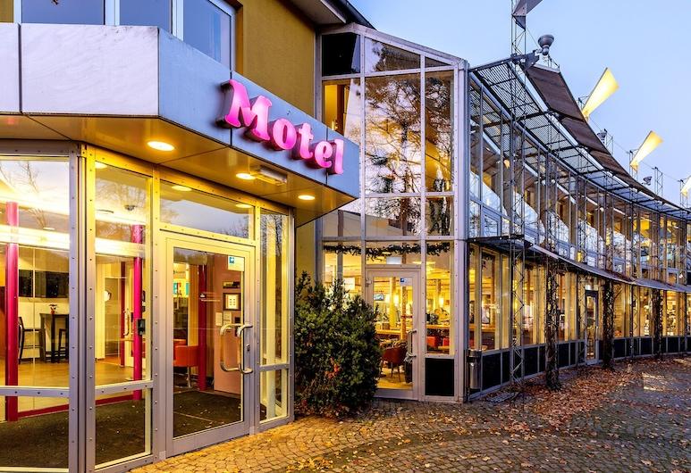 Hotel Hannover-Garbsen, Garbsen, Hotel Front