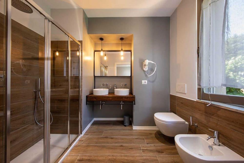 Pokój dwuosobowy z 1 lub 2 łóżkami, standardowy - Łazienka