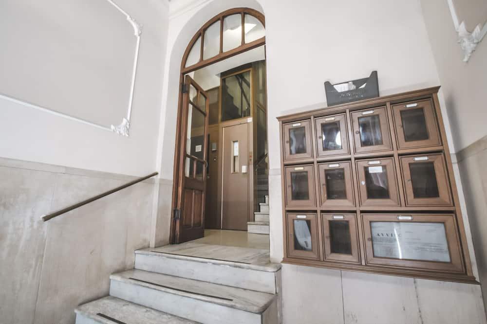 Vchod do hotelu