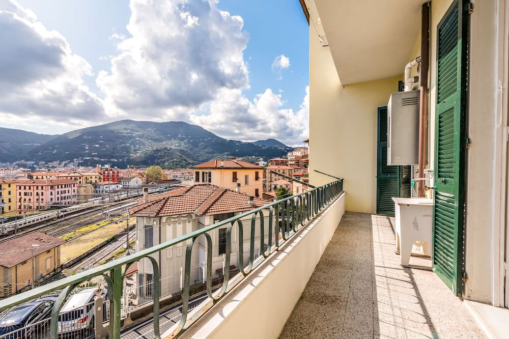 Triple Room, Shared Bathroom - Balcony