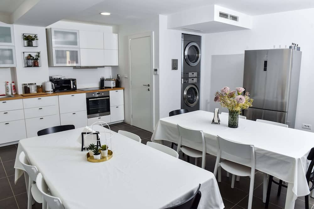 Deluxe Double Room - Shared kitchen