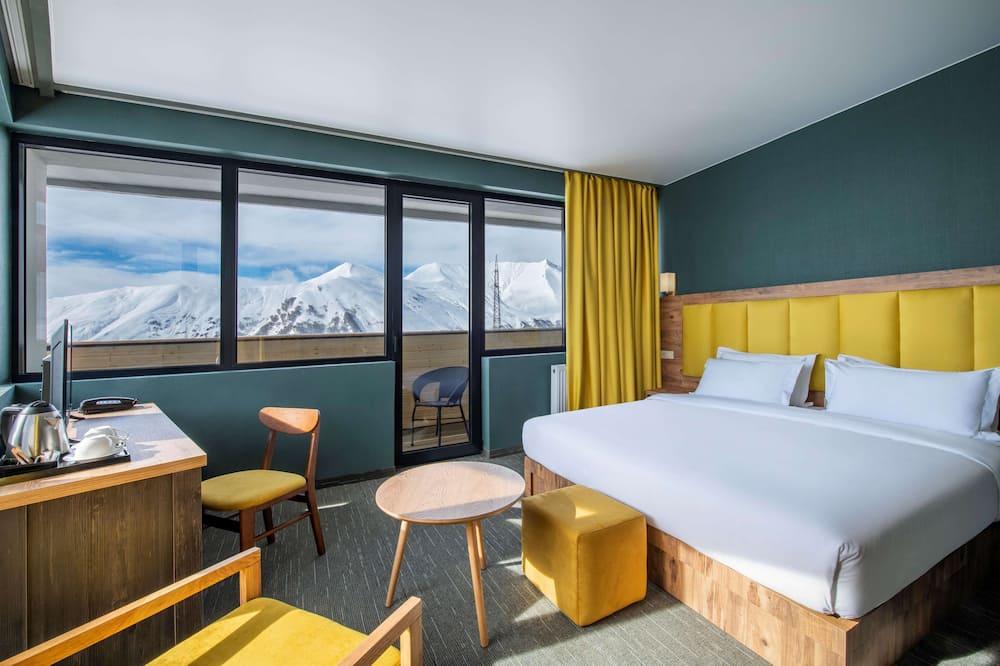 Perhehuone, Useita sänkyjä, Parveke, Vuoristonäköala - Vuoristonäköala