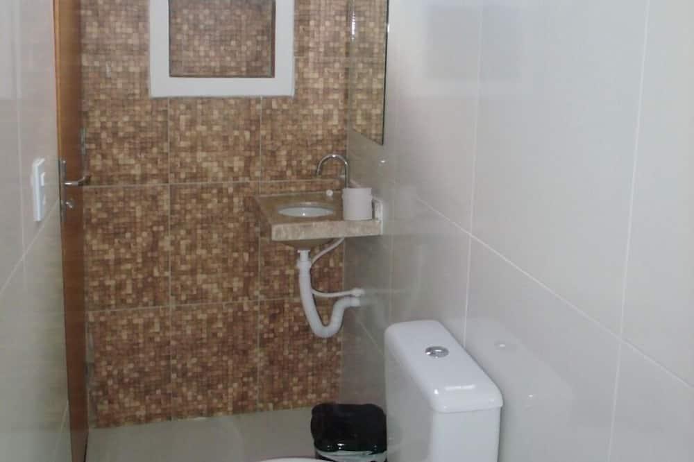 Comfort tweepersoonskamer, 1 tweepersoonsbed, Uitzicht op de stad - Badkamer