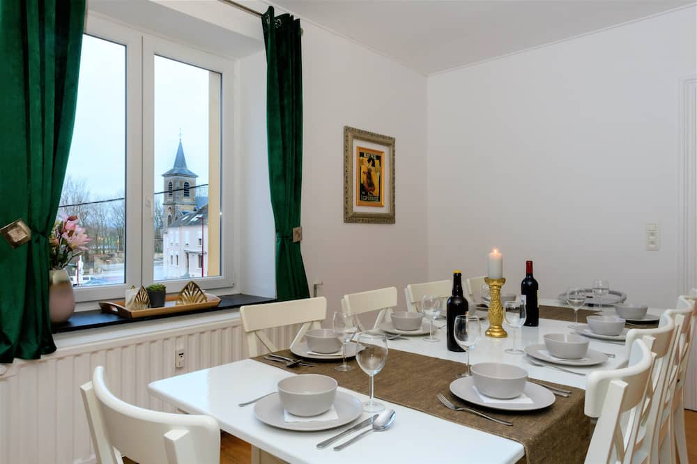 Grand Apartment - In-Room Dining