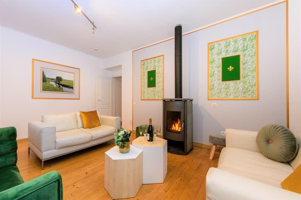 Grand Apartment - Living Room