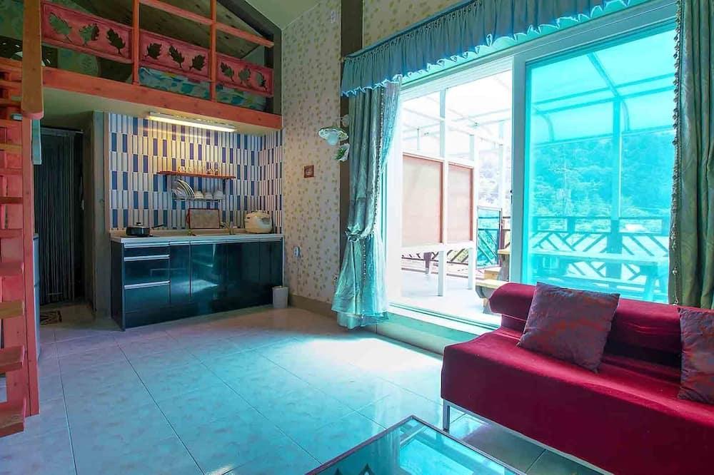 Room (7 Po-Peul-Ruh) - Living Area