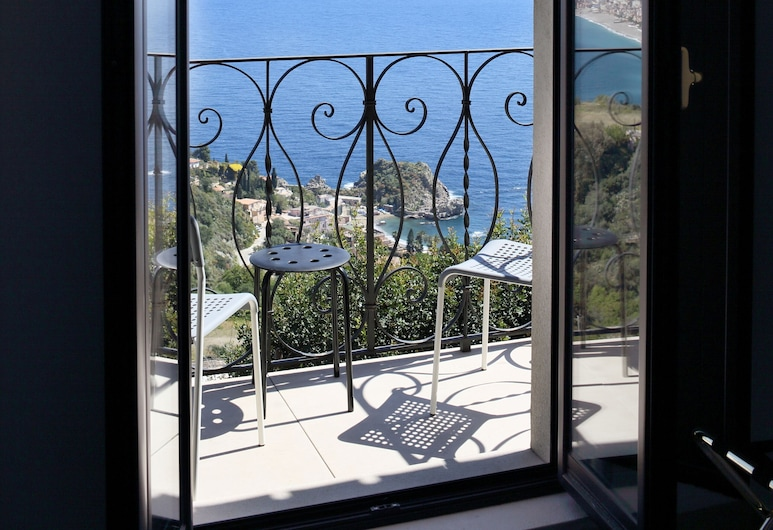 โรงแรมวิลล่า แอสโตเรีย, Taormina, ห้องซูพีเรียดับเบิล, ระเบียง, วิวทะเล (Small), วิวระเบียง