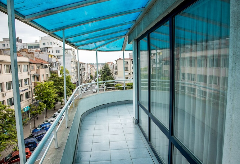 FM Luxury 1-BDR Maisonette with Terrace, Burgas, Leilighet – luxury, 1 soverom, balkong, Balkong