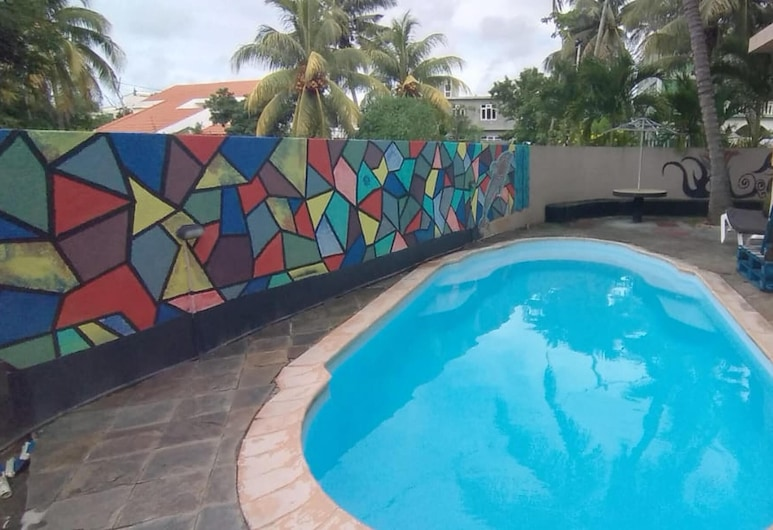 Apartment With one Bedroom in Trou-aux-biches, With Shared Pool, Furnished Terrace and Wifi - 1 km From the Beach, Trou aux Biches, Uima-allas