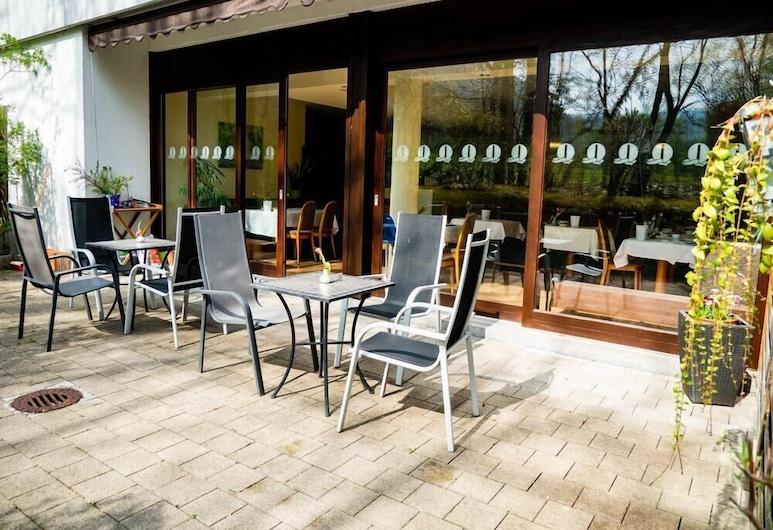 Hotel Quellenhof Bad Urach, Bad Urach, Speisen im Freien