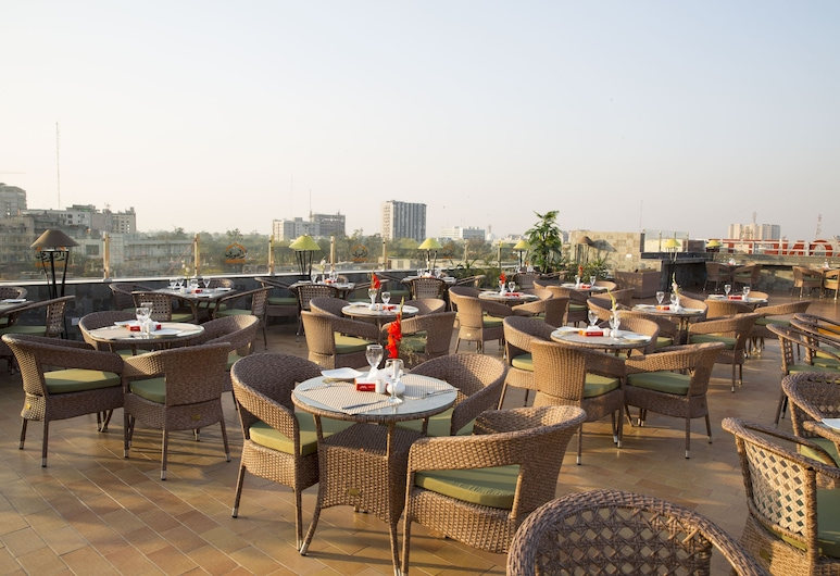 OBAN Hotel, Lahore, Outdoor Dining