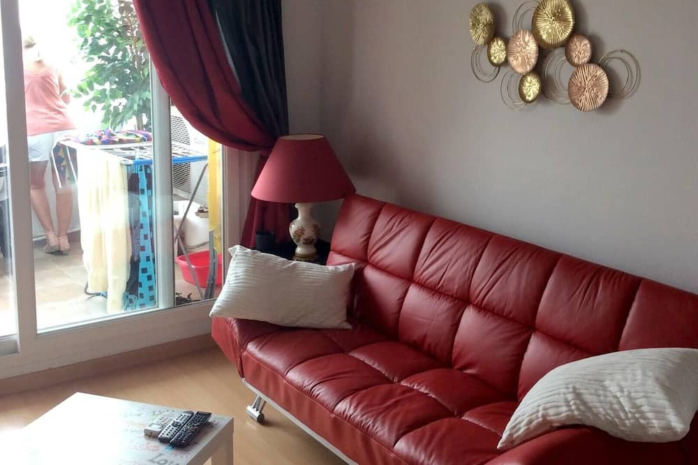 Dzīvokļnumurs, skats uz ezeru - Dzīvojamā istaba