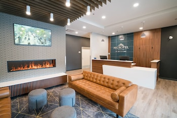 Obrázek hotelu Microtel Inn & Suites by Wyndham Kelowna ve městě Kelowna