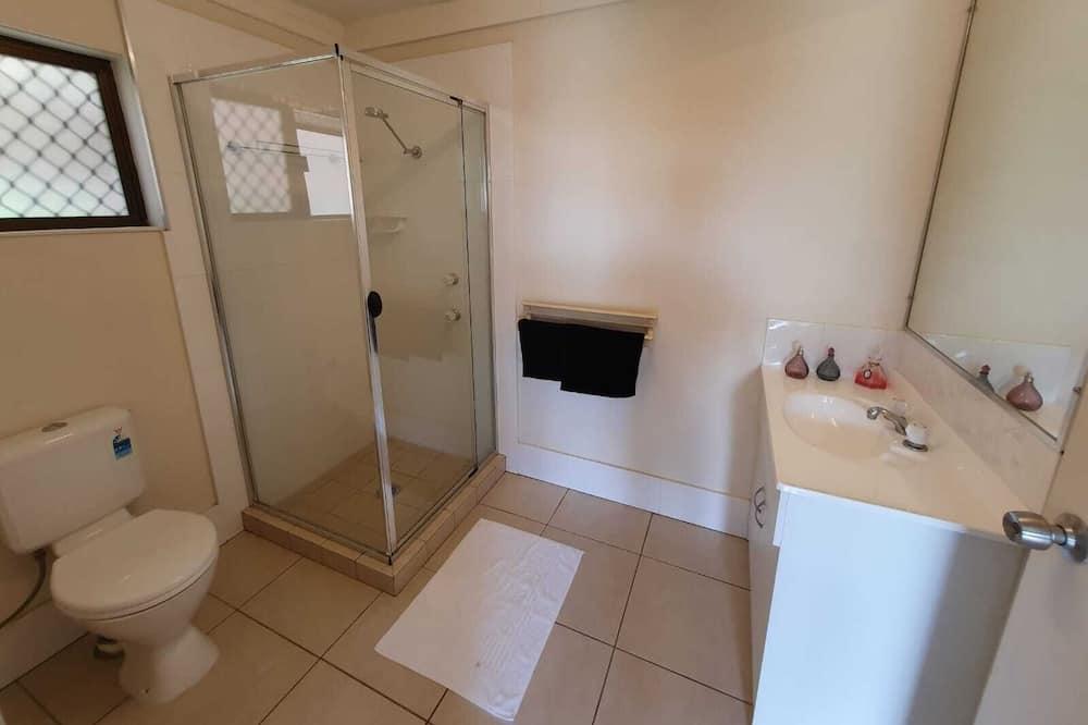 Exclusive Quadruple Room, 1 Bedroom, Mountain View - Bathroom