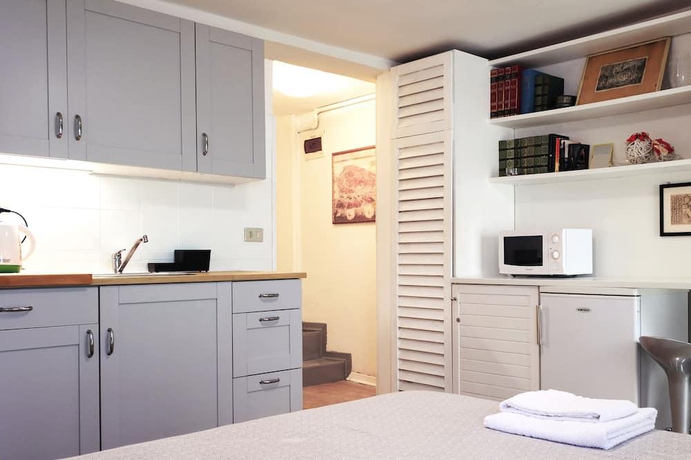 Basic Studio, 1 Bedroom, Ground Floor - Living Area