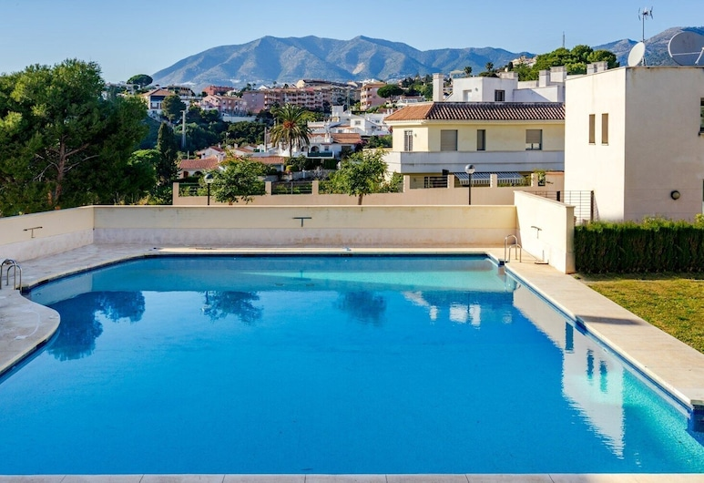 2BR  Apartment with Sea View, Gym and Pool Ref 129, Fuengirola, Utomhuspool