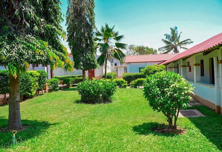 ACK Guest House Mombasa, מומבסה, גינה