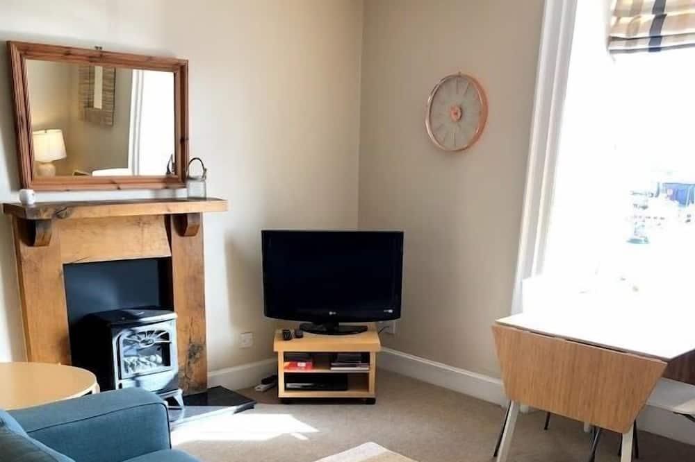 Apartment (Sadpiper) - Living Room