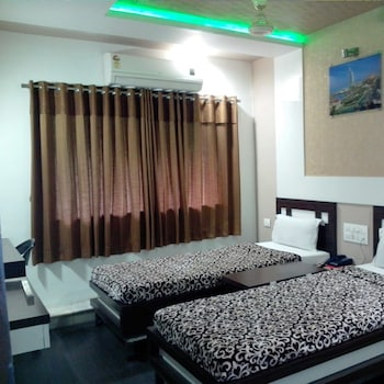 Picture of Hotel Decent in Surat