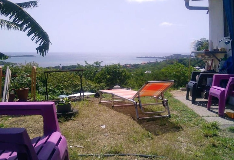 House With one Bedroom in Le François, With Wonderful sea View and Furnished Garden - 8 km From the Beach, 勒弗朗索瓦