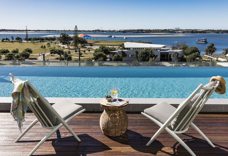 Sky Broadwater Apartments, Southport, Outdoor Pool