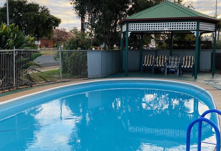 County Lodge Motor Inn, West Wyalong, Venkovní bazén