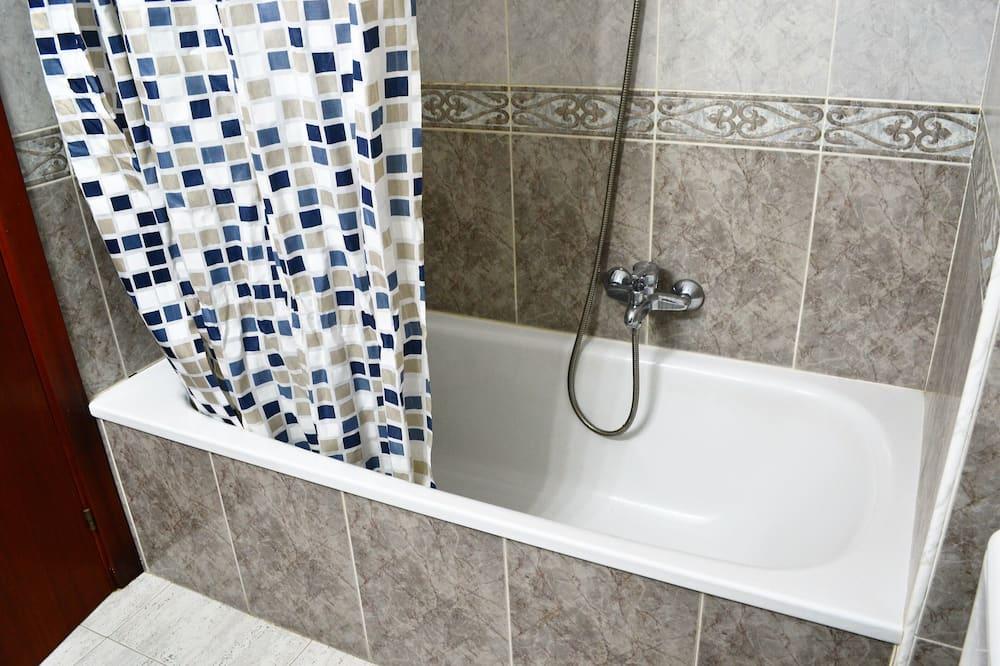 Standard Apartment (3 Bedrooms) - Bilik mandi