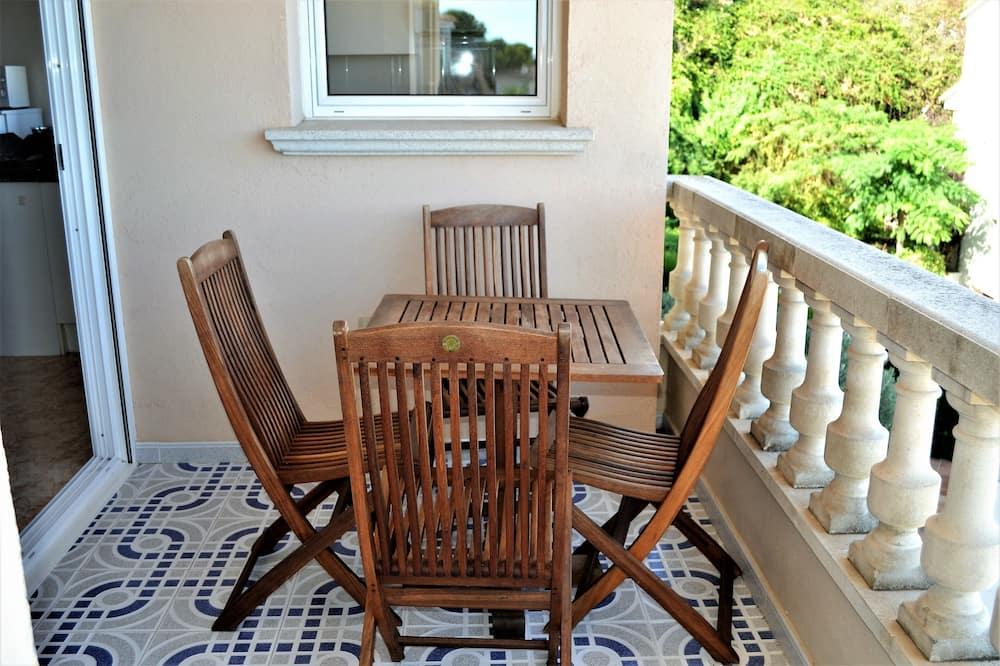Standard Apartment (4 Bedrooms) - Balcony