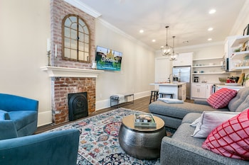 Picture of Hosteeva 3BR Steps to St. Charles Ave in New Orleans