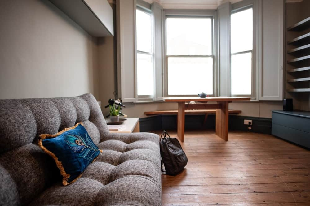 Apartment (1 Bedroom) - Wohnzimmer