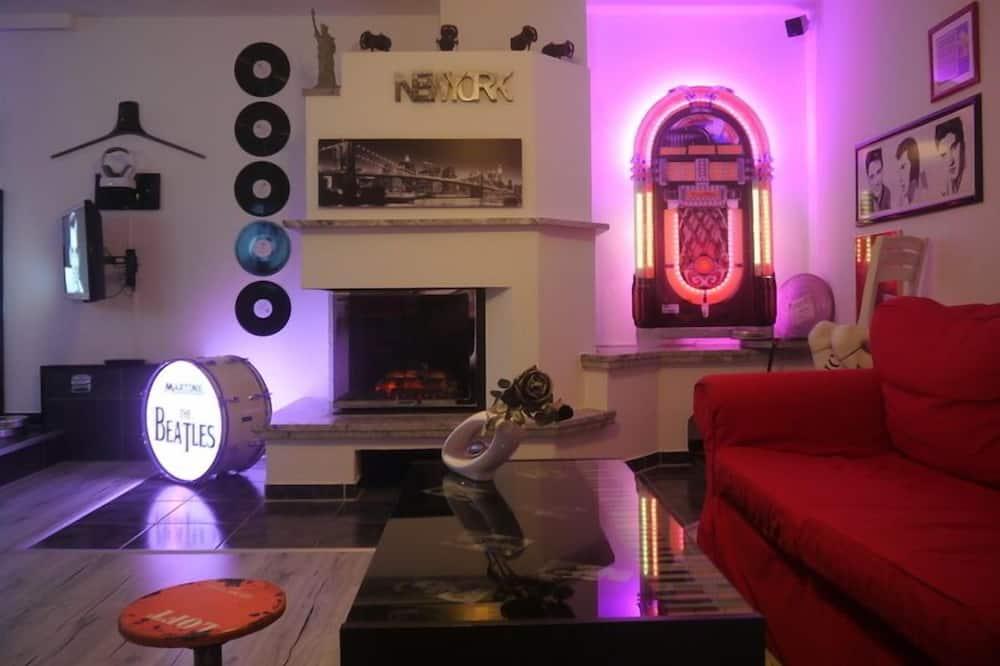 Junior Suite (Hollywood) - Living Area
