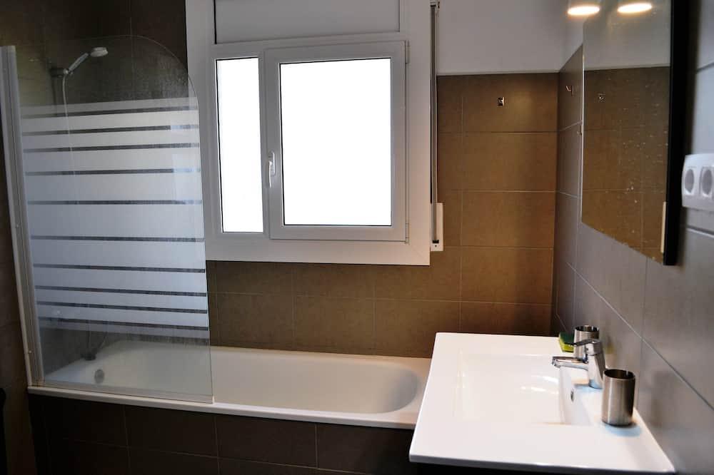 Standard House (3 Bedrooms) - Bathroom