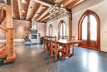 Picture of Stunning 5 BR Urban Oasis Dt NOLA in New Orleans