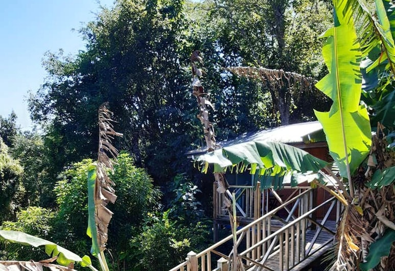 Bungalow With one Bedroom in Pointe-à-pitre, With Furnished Terrace and Wifi - 4 km From the Beach, Les Abymes, Garden
